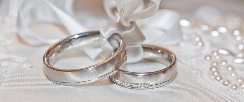 不倫関係の婚約